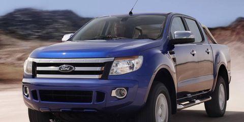 Tire, Wheel, Motor vehicle, Automotive tire, Daytime, Vehicle, Product, Land vehicle, Transport, Automotive lighting,