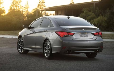 The 2014 Hyundai Sonata keeps the same two engines for the new model year.
