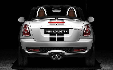 The 2013 Mini Cooper S Roadster has an output of 181 hp @ 5,500 rpm, 177 lb-ft @ 1,600-5,000 rpm.