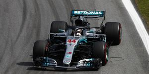 Lewis Hamilton retook the lead on lap 44.