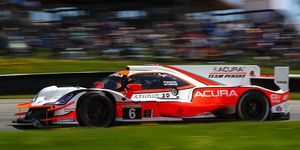 Juan Pablo Montoya and Dane Cameron, who were second last year at Mid-Ohio, beat everyone to the checkered flag on Sunday.