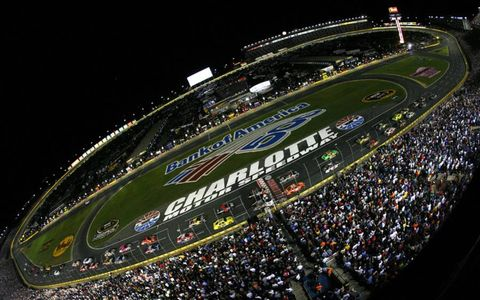 The start of the NASCAR Sprint Cup race at Charlotte Motor Speedway on Oct. 15. Photo by: LAT Photographic
