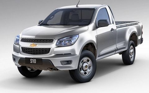 The Chevrolet S10 comes with a 2.4-liter gas engine or a 2.8-liter turbodiesel.