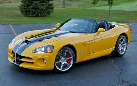 Tire, Automotive design, Vehicle, Yellow, Performance car, Hood, Car, Rim, Fender, Sports car,