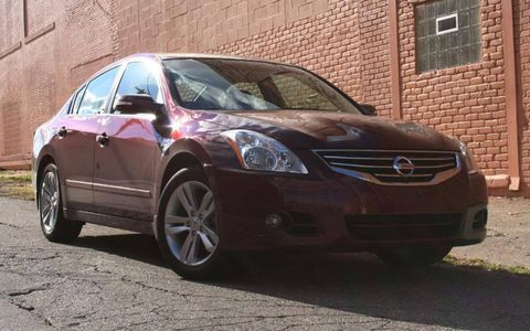 Driver's Log Gallery: 2010 Nissan Altima 3.5SR
