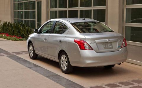 Rolling on the expressway at 80 mph was easy enough, and passing is no problem if you're willing to rev the Versa's 1.6-liter I4 up a and drop a gear or two.