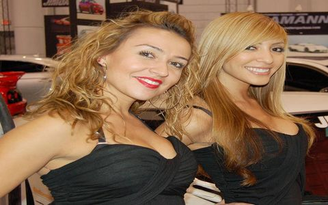 Smile, Mouth, Hairstyle, Eyelash, Style, Dress, Blond, Beauty, Step cutting, Brown hair,