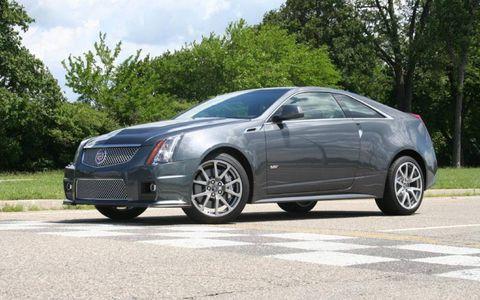 Tire, Wheel, Automotive design, Vehicle, Land vehicle, Infrastructure, Transport, Rim, Car, Fender,