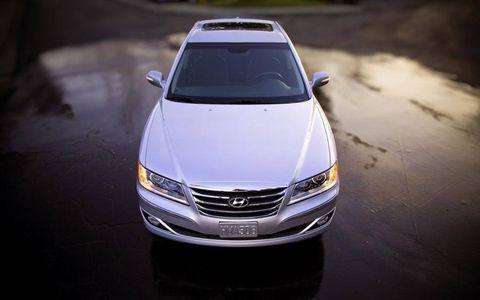 Automotive design, Product, Vehicle, Transport, Land vehicle, Glass, Grille, Car, Automotive exterior, Automotive mirror,