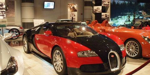 You know this one, a Bugatti Veyron in between a custom job and an SL65 Mercedes. A Porsche Carrera GT sits behind.