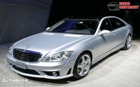 Wheel, Tire, Mode of transport, Automotive design, Vehicle, Automotive lighting, Hood, Car, Grille, Glass,