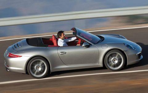 Tire, Wheel, Automotive design, Vehicle, Car, Performance car, Rim, Sports car, Alloy wheel, Fender,