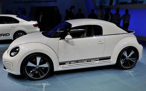 Tire, Wheel, Motor vehicle, Automotive design, Vehicle, Land vehicle, Automotive tire, Automotive wheel system, Alloy wheel, Car,