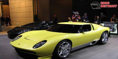 Tire, Automotive design, Vehicle, Land vehicle, Car, Performance car, Fender, Supercar, Sports car, Headlamp,