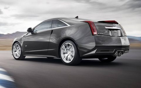 Tire, Wheel, Automotive design, Vehicle, Rim, Transport, Automotive exterior, Car, Automotive tire, Automotive lighting,