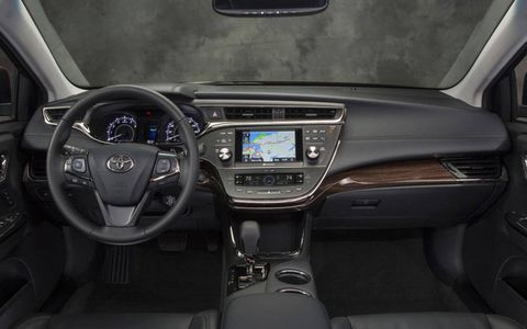 The instrument panel of the 2013 Toyota Avalon.