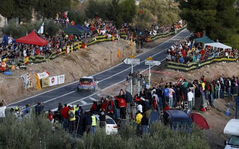Dirt flies as Jari-Matti Latvala hits his apex during Rally Spain in his Ford WRC. Photo by: McKlein/LAT Photographic