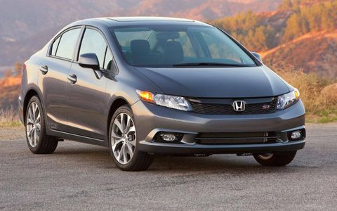The 2012 Honda Civic Si Navi sedan is a solid performer, but pedestrian looks and spotty interior quality knock it a couple pegs below its competition.
