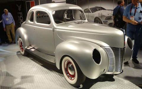 Ford displayed a steel body shell that faithfully reproduces the look of the 1940 Coupe.