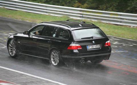 Tire, Wheel, Automotive tire, Vehicle, Road, Automotive design, Rim, Trunk, Automotive tail & brake light, Car,