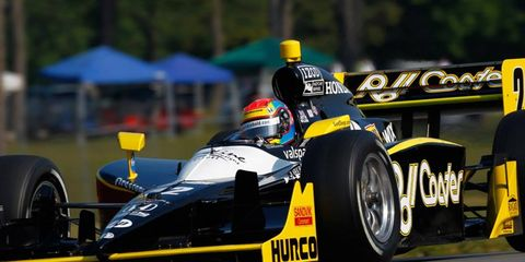 Justin Wilson will be replaced by Tomas Scheckter after Wilson injured his back last weekend in a crash at Mid-Ohio.