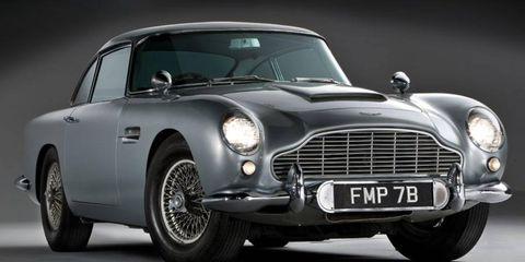 Tire, Wheel, Automotive design, Vehicle, Land vehicle, Automotive tire, Headlamp, Automotive lighting, Car, Classic car,