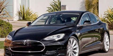 Tesla plans to sell 20,000 copies of the Model S sedan per year.