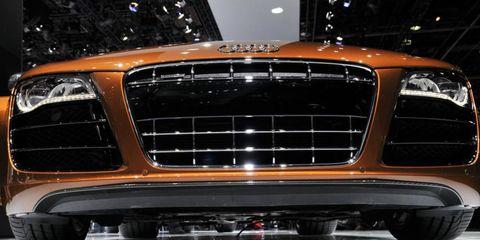 Motor vehicle, Automotive design, Automotive exterior, Automotive lighting, Vehicle, Grille, Headlamp, Hood, Car, Personal luxury car,
