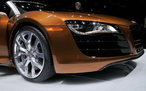 Tire, Wheel, Automotive design, Vehicle, Event, Land vehicle, Car, Headlamp, Rim, Alloy wheel,