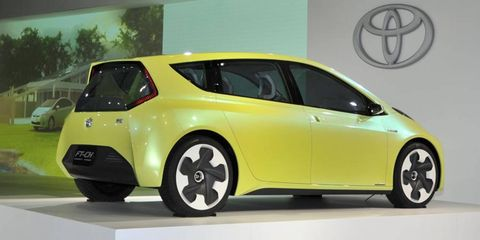 Motor vehicle, Mode of transport, Automotive design, Vehicle, Land vehicle, Automotive mirror, Car, Transport, Vehicle door, Technology,