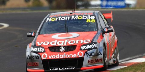 Drivers Jamie Whincup and Sebastien Bourdais posted the fastest lap time V8 Supercars testing on Wednesday.