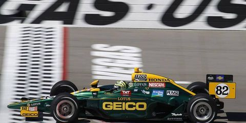 Tony Kanaan starts out front for Sunday's IndyCar finale in Las Vegas.