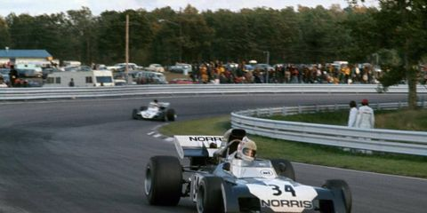 Sam Posey (Surtees TS9B-Ford, 12th position) leads Mike Hailwood (Surtees TS9B-Ford, 17th) at Watkins Glen in New York, 1972.