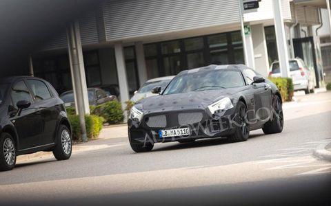 Tire, Automotive design, Automotive mirror, Vehicle, Land vehicle, Grille, Car, Rim, Automotive parking light, Hood,
