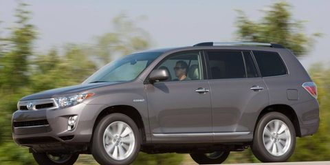 The hybrid powertrain in the Toyota Highlander has combined output of 280 hp.