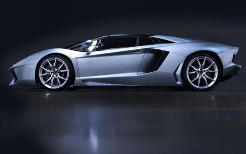 Running gear for the Lamborghini Aventador roadster is borrowed from the fixed roof Aventador, which debuted in 2011.