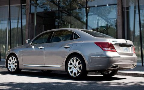The 5.0-liter V8 under the hood of the 2012 Hyundai Equus Ultimate was a highlight. It provided plenty of power at any speed, making passing on the highway a confident enterprise.