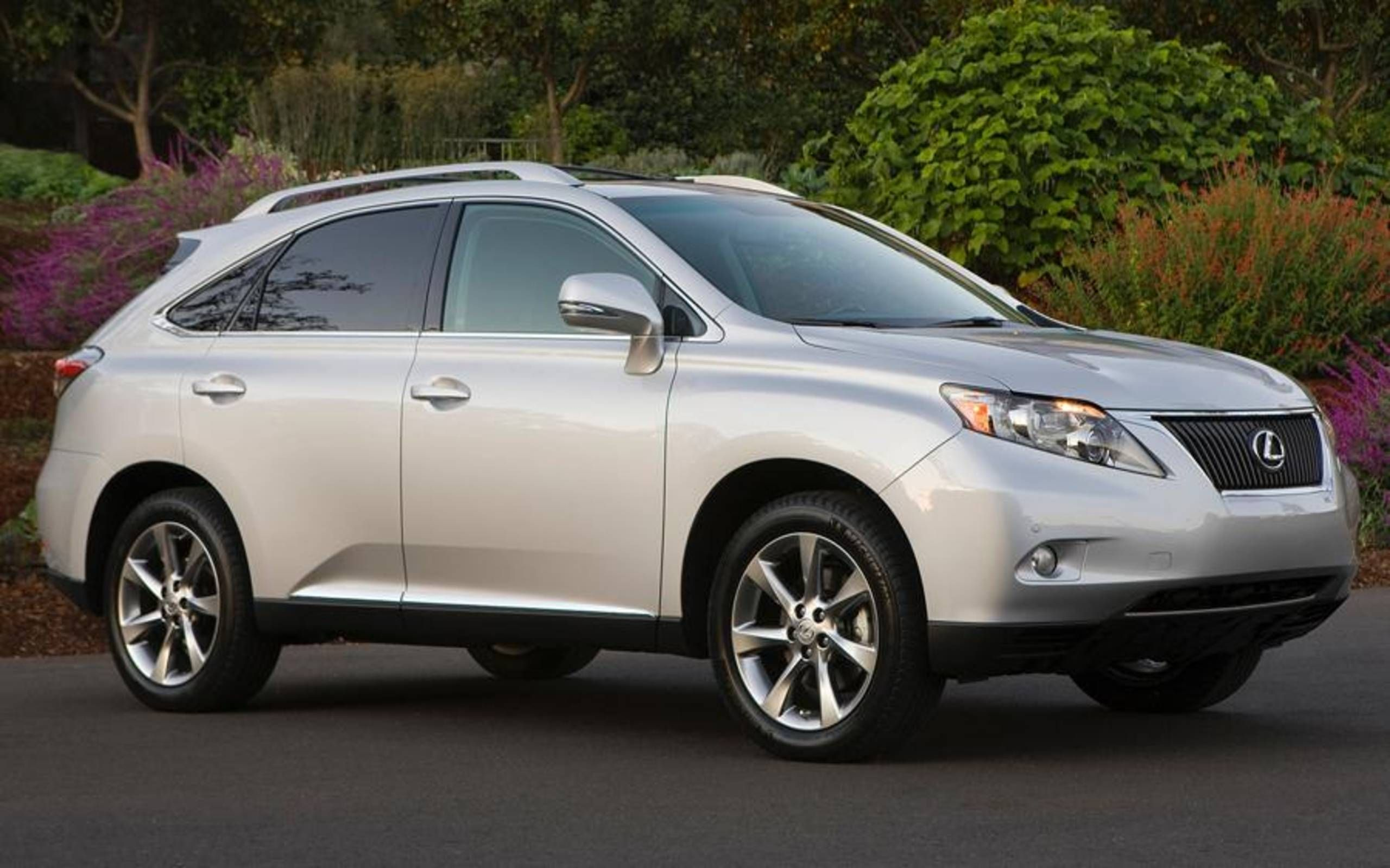 2011 Lexus Rx 350 Review Notes The Leader Of The Midsize Luxury Suv Class Has Room To Improve