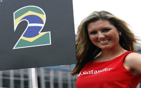 Welcome to another musing of Grid Girls. These lovely images come from the 2008 Brazilian Grand Prix in Sau Paulo, Brazil. I trust you will enjoy!