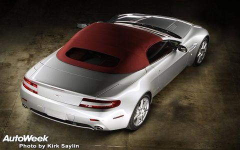 Tire, Wheel, Mode of transport, Automotive design, Automotive lighting, Vehicle, Transport, Concept car, Car, Vehicle registration plate,