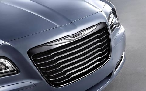 Added body-colored inserts in the 2014 Chrysler 300S add style to the overall appearance.