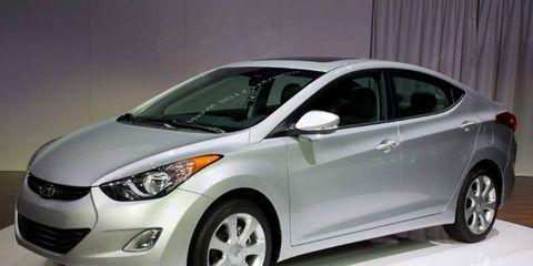 Motor vehicle, Wheel, Mode of transport, Automotive design, Vehicle, Automotive lighting, Headlamp, Glass, Car, Automotive mirror,