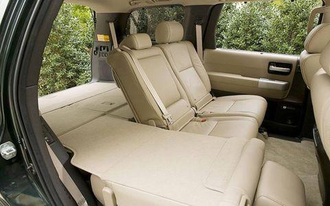 Motor vehicle, Mode of transport, Vehicle, Vehicle door, Car seat, Car seat cover, Glass, Head restraint, Automotive window part, Windshield,