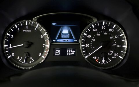 2013 Infiniti JX interior dials, part of the driver-oriented cockpit