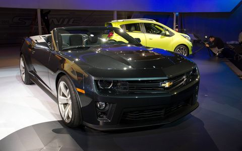 New pics of the 2013 Chevy Camaro ZL1 Convertible, which debuted at the Los Angeles auto show this week.