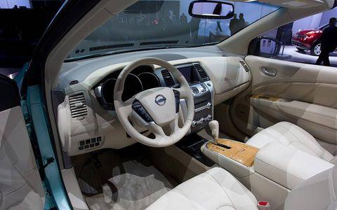 Motor vehicle, Steering part, Steering wheel, Automotive design, Automotive mirror, Vehicle door, Center console, Car seat, Vehicle audio, Car seat cover,