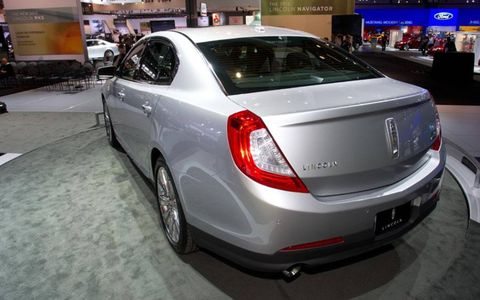 Rear view of the 2013 Lincoln MKS