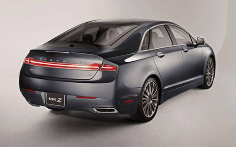Two square exhausts are cut into the bumper of the 2013 Lincoln MKZ.