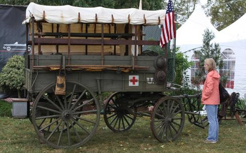 1907 Army ambulance that scored second in the Veteran class.