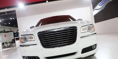 Motor vehicle, Automotive design, Automotive exterior, Vehicle, Automotive lighting, Grille, Headlamp, Hood, Car, Fender,
